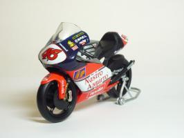 Прикрепленное изображение: Aprilia RSW 250 #46 V. Rossi \'1998 World Championship (Leo Models) 2.JPG