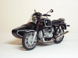 Прикрепленное изображение: BMW R 90-6 Sidecar \'1974 (Solido) 2.JPG