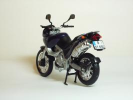 Прикрепленное изображение: BMW F 650 ST \'1997 (Welly) 6.JPG