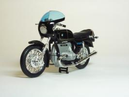 Прикрепленное изображение: BMW R 100 S \'1976 (Welly) 2.JPG
