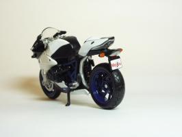 Прикрепленное изображение: BMW HP 2 Sport \'2007 (Maisto) 6.JPG