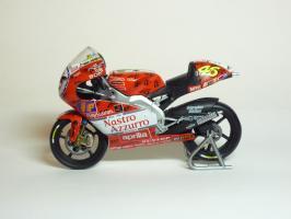 Прикрепленное изображение: Aprilia RSW 250 #46 V. Rossi \'1999 Imola (Leo Models) 1.JPG