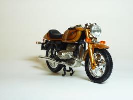 Прикрепленное изображение: BMW R 100 \'1981 (Guiloy) 3.JPG