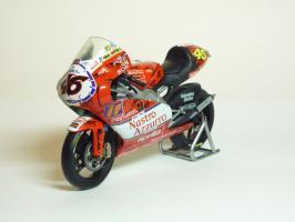 Прикрепленное изображение: Aprilia RSW 250 #46 V. Rossi \'1999 Imola (Leo Models) 2.JPG