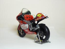 Прикрепленное изображение: Aprilia RSW 250 #46 V. Rossi \'1999 Imola (Leo Models) 6.JPG