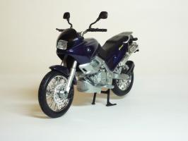 Прикрепленное изображение: BMW F 650 ST \'1997 (Welly) 2.JPG