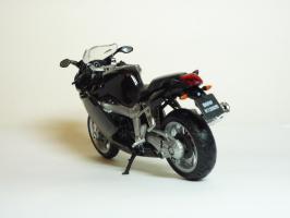 Прикрепленное изображение: BMW K 1200 S \'2003 (Welly) 6.JPG