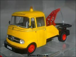 Прикрепленное изображение: Modelauto-Mercedes-Benz-L319-Abschleppwagen.jpg