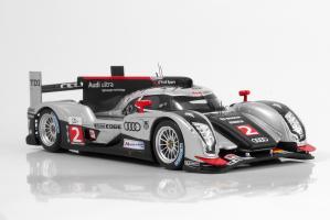 Прикрепленное изображение: Audi R18_2011_int.JPG