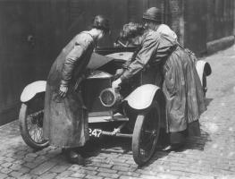 Прикрепленное изображение: Женщины-механики.jpg