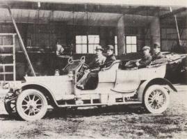 Прикрепленное изображение: Сэр Чарльз Стюарт Роллс в авто.jpg