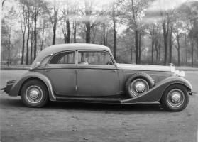 Прикрепленное изображение: Auto Union Horch 500 B Sedan - Cabriolet Karosserie Gläser Dresden.jpg