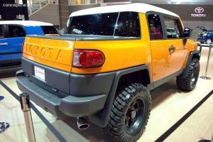 Прикрепленное изображение: Toyota_FJ_Cruiser_SoftTop_DV-07_Chicago_02.jpg
