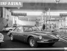 Прикрепленное изображение: Ferrari 500 Superfast (1964) - der teuerste Zweisitzer des Salons, mit Karosserie von Pininfarina - am Genfer Autosalon 1964.jpg