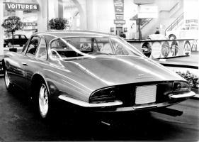 Прикрепленное изображение: Ferrari 500 Superfast (1964) - meisterhaft geformtes Heck von Pininfarina - Genfer Automobilsalon 1964.jpg