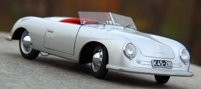 Прикрепленное изображение: Porsche (11).jpg