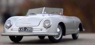 Прикрепленное изображение: Porsche (12).jpg
