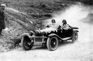 Прикрепленное изображение: Zagato_Alfa_Romeo_6C_1750_Spyder_1930_01.jpg