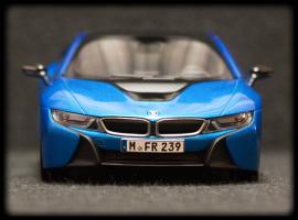 Прикрепленное изображение: BMW i8 - speredi.jpg