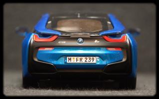 Прикрепленное изображение: BMW i8 - szadi.jpg
