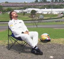 Прикрепленное изображение: 2015-11-14 19-23-55 Mattzel89 в Твиттере  « If I had a GP2 engine....  #F1 #BrazilGP #Alonso https   t.co f34yTiol31» - Goo.png