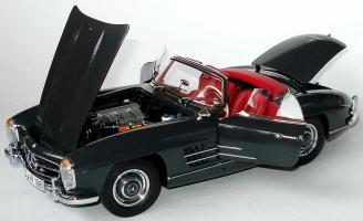 Прикрепленное изображение: mercedes-300-sl-roadster-v-masshtabe-118-mercedes-oem-b66040550-320c5ee892fb8bee66097278f305da3c.jpg