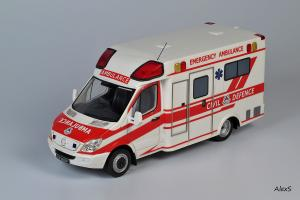 Прикрепленное изображение: Mercedes-Benz Sprinter 3-Series Box Ambulance Masterpiece Collectibles.jpg