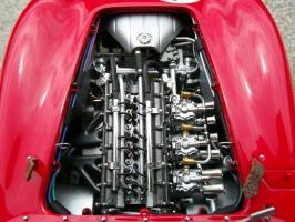 Прикрепленное изображение: Maserati 300 S №1 24H France 1958, 11hzzps.jpg