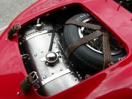 Прикрепленное изображение: Maserati 300 S №1 24H France 1958, zsqy3c.jpg