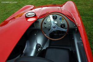 Прикрепленное изображение: 56_Maserati_300S_3062_DV_06-Belle_i010.jpg