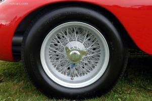 Прикрепленное изображение: 56_Maserati_300S_3062_DV_06-Belle_a014.jpg
