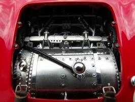 Прикрепленное изображение: Maserati 300 S №1 24H France 1958, 2jcex4y.jpg