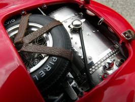Прикрепленное изображение: Maserati 300 S №1 24H France 1958, vdk8kx.jpg