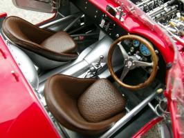 Прикрепленное изображение: Maserati 300 S №1 24H France 1958, zm1oj7.jpg