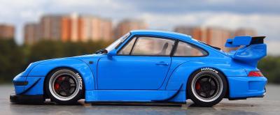 Прикрепленное изображение: Porsche 993 RWB (4).jpg