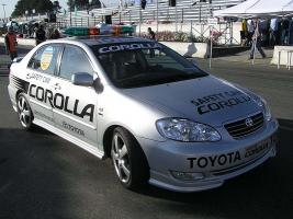 Прикрепленное изображение: Toyota_Corolla_(E120)_TC2000_2006_Safety_Car.jpg