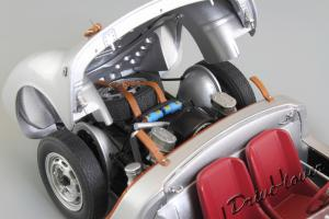 Прикрепленное изображение: Porsche 550 Spyder (set with VW T1 Renntransporter) Schuco 450007700_21.jpg