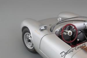 Прикрепленное изображение: Porsche 550 Spyder (set with VW T1 Renntransporter) Schuco 450007700_14.jpg