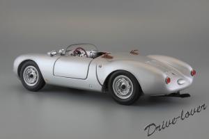 Прикрепленное изображение: Porsche 550 Spyder (set with VW T1 Renntransporter) Schuco 450007700_09.jpg