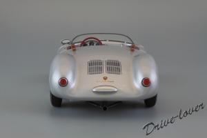 Прикрепленное изображение: Porsche 550 Spyder (set with VW T1 Renntransporter) Schuco 450007700_07.jpg