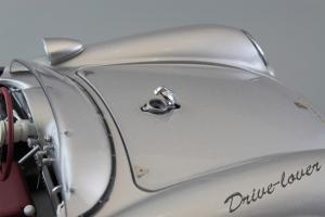Прикрепленное изображение: Porsche 550 Spyder (set with VW T1 Renntransporter) Schuco 450007700_19.jpg