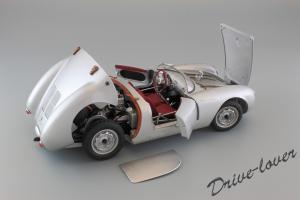 Прикрепленное изображение: Porsche 550 Spyder (set with VW T1 Renntransporter) Schuco 450007700_17.jpg
