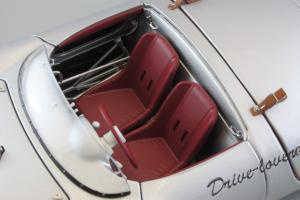 Прикрепленное изображение: Porsche 550 Spyder (set with VW T1 Renntransporter) Schuco 450007700_28.jpg