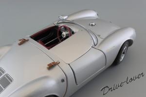 Прикрепленное изображение: Porsche 550 Spyder (set with VW T1 Renntransporter) Schuco 450007700_15.jpg