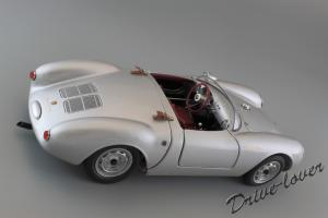 Прикрепленное изображение: Porsche 550 Spyder (set with VW T1 Renntransporter) Schuco 450007700_10.jpg