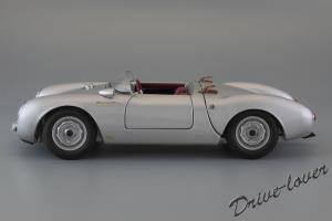 Прикрепленное изображение: Porsche 550 Spyder (set with VW T1 Renntransporter) Schuco 450007700_04.jpg