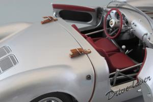 Прикрепленное изображение: Porsche 550 Spyder (set with VW T1 Renntransporter) Schuco 450007700_24.jpg