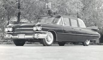 Прикрепленное изображение: 1959 Cadillac Bubble-Top 01.jpg