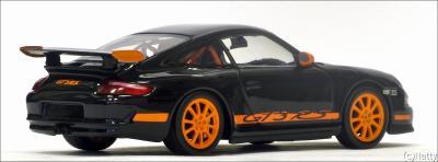 Прикрепленное изображение: 2001 Porsche 911 GT3 RS - Minichamps - 02012817 - 2_small.jpg