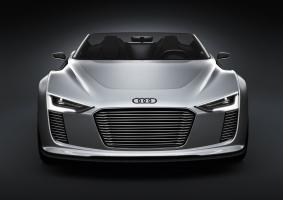 Прикрепленное изображение: Audi_e-tron_Spyder-003.jpg